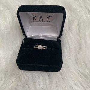 🆕Diamond engagement ring round cut 10k white gold